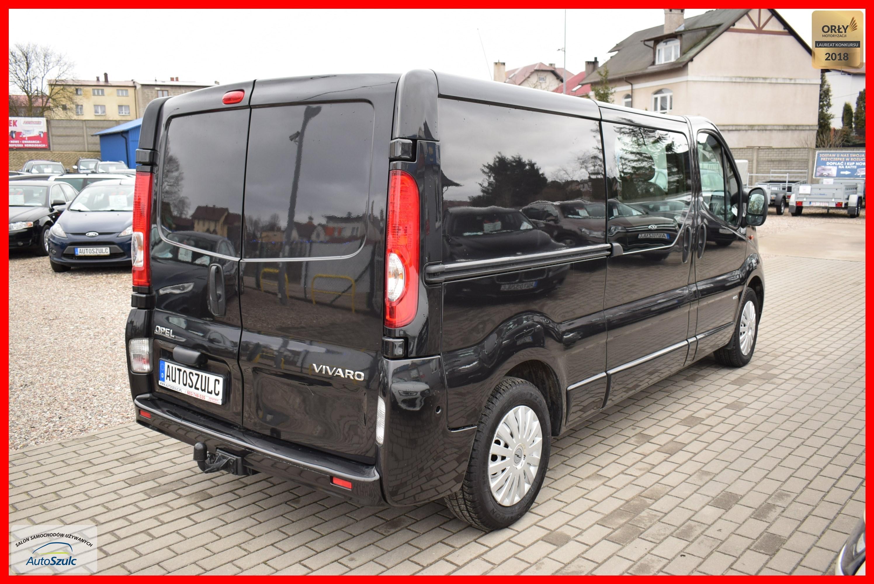 Groovy Opel Vivaro 2.0 Benzyna + Gaz ( ważny do 2028 r. ) 6-osobowy EW58